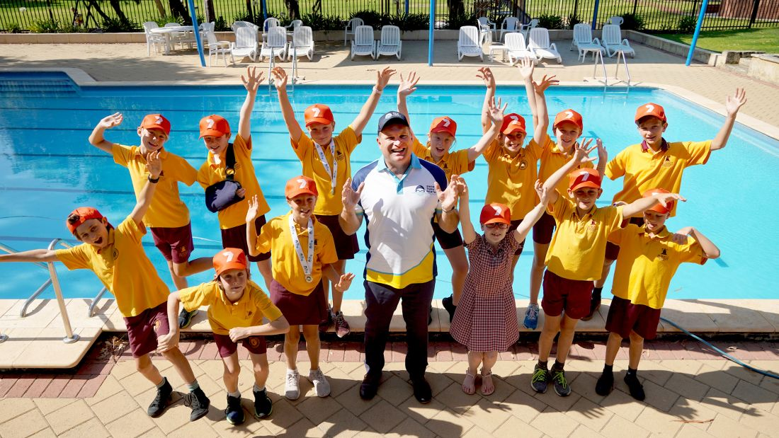 Subiaco Primary School students with Swim Thru Perth Ambassador, Adrian Barich