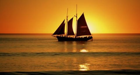 Willie Broom Pearl Lugger Sunset Cruise